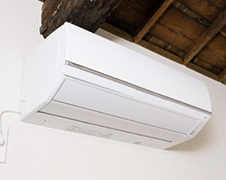 Air conditioner (heat and cool) in the twin room